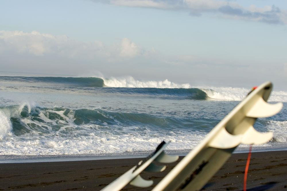 Keramas lineup, Photo Hilton Dawe Thanks to Billabong